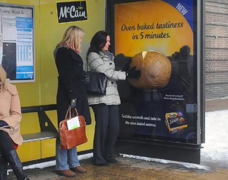 mccain-busstop-patata